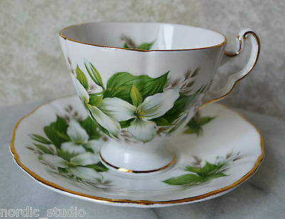 ROYAL ADDERLEY English Bone China TEA CUP SAUCER SET TRILLIUM Canadian Flowers 2