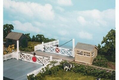 Wills Level Crossing Gates & Pedestrian Gates OO Gauge Plastic Kit SS56