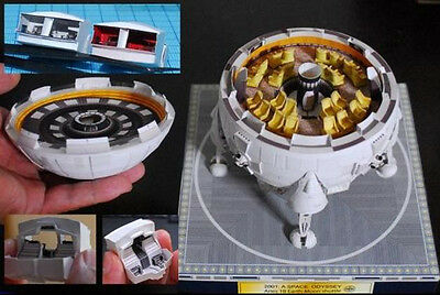Film 2001 A Space Odissey Aries 1-B spacecraft Paper model kit