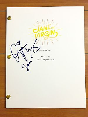 GINA RODRIGUEZ SIGNED JANE THE VIRGIN FULL PILOT SCRIPT w/CHARACTER NAME & PROOF