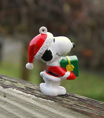 "Snoopy Santa Claus Christmas Holiday 2 1/3"" Tall Ornament Carrying Gift Present"
