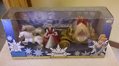 VINTAGE DISNEY CINDERELLA ROYAL HOLIDAY CARRIAGE W/SOUNDS NEW IN  BOX