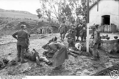 German Army Wounded Troops Tunisia 1943 World War 2 Reprint Photo 6x4 Inch