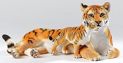 Country Artists Natural World Maternal Devotion Tiger and Cub 13.5cm CA06133