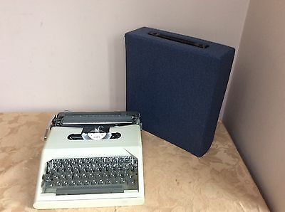 Vintage Retro Esselte Compact 23 Typewriter Great Condition Rare With Case