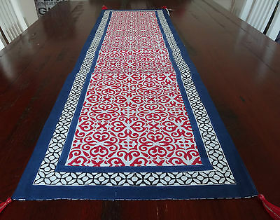 Dwbh Table Runner 'carmine' 35 X 130Xm Hand Blocked Red And White, Navy Border