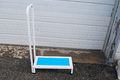 Bath & Shower Step Stool With Handle & Non-Slip Grip Holds up to 500lbs (#M4106)