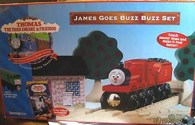 THOMAS the TANK - JAMES GOES BUZZ BUZZ SET W/JAMES RED NOSE!! *VERY RARE/NEW*