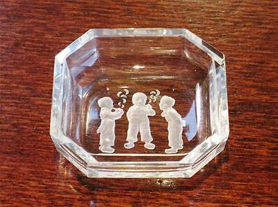 Collectable Art Deco Heinrich Hoffman intaglio octagonal glass dish