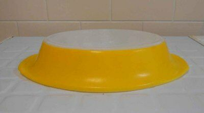 Vintage Pyrex, milk glass Crown divided dish - Yellow - Good Condition