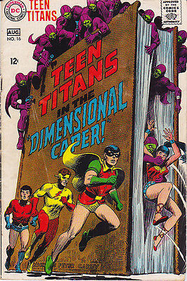 TEEN TITANS 16 with Nick Cardy art