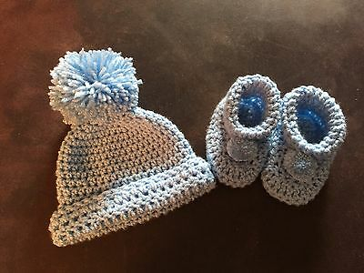 Baby Boys Crochet Hat And Booties Set Pom Pom Bobble 0-3 Months