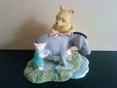 "Disney Border Fine Arts Figurine ""Eeyore getting dried"" Classic Pooh A0069"