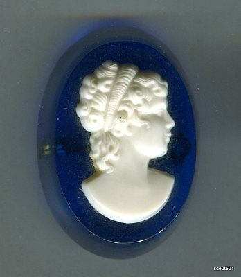 Vintage 40s Tri Color Lucite Laminated Cameo Brooch Pin Blue Clear White