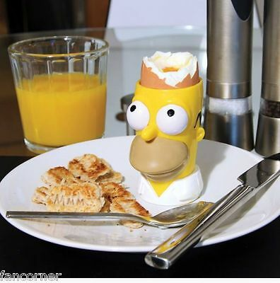 Simpsons kit coquetier et decoupe toasts Homer Simpson egg cup with toast stamp
