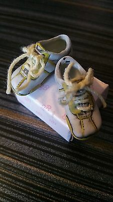 OHC - doll shoes (Light blue sneakers-laces ) Fit Momoko, Blythe, & OHC Dolls