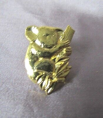Exceptional Koala Bear Gold Tone Lapel Pin 3/4 X 1