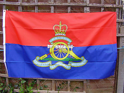 British Army Royal Artillery Regiment RA Colour Beret/Cap Badge On Military Flag