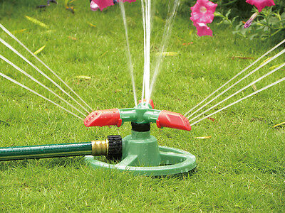 3-arm Green/Red Lawn Sprinkler with Adjustable Nozzle - Watering for Small Gaden