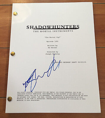 Dominic Sherwood Signed Shadowhunters The Mortal Instruments Signed Pilot Script