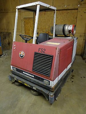 Advance Hydro-Retriever 5000 5000PN Ride-on Floor Scrubber Cleaning Machine