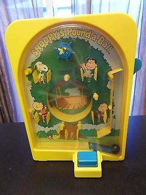 Vintage 1978 Snoopy's Pound A Ball Upright Pinball Game Toy Fun RARE PEANUTS