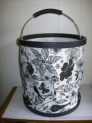 "Black & White ""Presto Bucket"" Lightweight Collapsible Bucket by Garden Works"