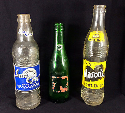 Lot of 3 Vintage Soda Bottles Masons Root Beer Sun Crest 7 Up One Has CHIP