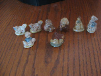 8 Vintage Wade Whimsies Figurines Nursery Rhymes Red Rose Tea Figures