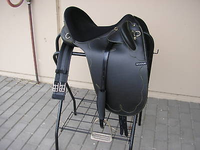 Status Stock Saddle  fully mounted 17 inch  *NEW*