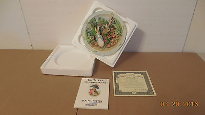 Bradford Exchange Peter Rabbit A Pocket Full Of Onion Musical Plate & Story Book