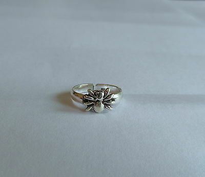Sterling Silver (925) Adjustable  Spider   Toe Ring  !!   Brand  New !!
