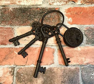 Cast Iron Ring Set of 4 Antique-Style Decorative Door Keys with Lock