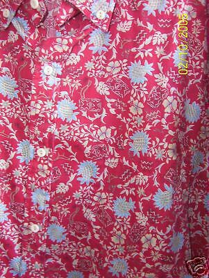 RJC  XL White & Blue Flowers on Red/Mint