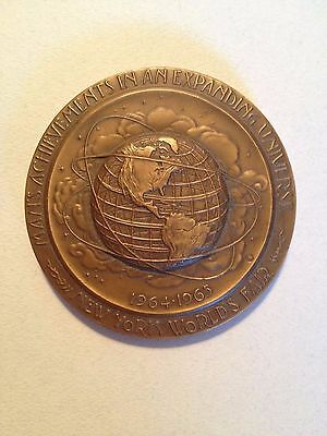1964/65 New York World's Fair Bronze Medallion with Original Box and Booklet