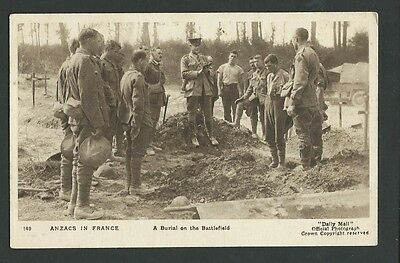Vintage Postcard - WWI ANZACS In France Burial on the Battlefield - Free Postage