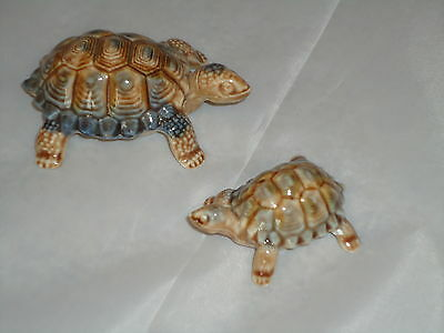 Wade Collectable Tortoise Turtle x2 Figurine Whimsie /Pottery Ceramic Nice Gift