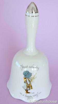 HOLLY HOBBIE BLUE BONNET BELL PORCELAIN 16cm TALL START EACH DAY IN A HAPPY WAY