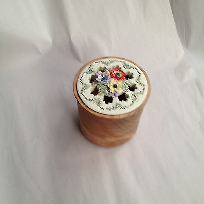 Hand Crafted Local Silky Oak Timber Pot Pourri Bowl with Ceramic Floral Lid