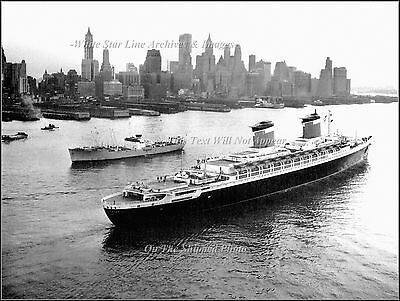 Photo: SS United States Outbound On The Hudson River, New York, 1960
