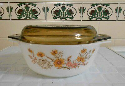 Vintage Pyrex, Milk Glass -'Woodland Country Autumn' Casserole Pyrex England