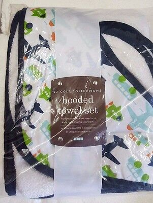JJ Cole Hooded Towel and Washcloth, White Vroom