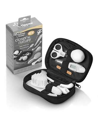 Tommee Tippee Closed to Nature Healthcare & Grooming Kit - 423012