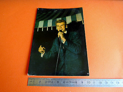 CPA  JOHNNY HALLIDAY CHANTEUR 60's  YEYE CARTE POSTALE