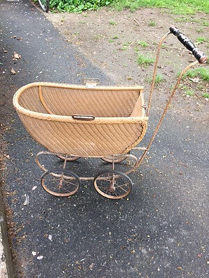Antique Wicker Baby Carriage  Baby Doll Buggy, missing cover piece