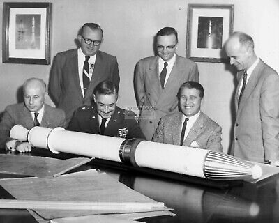 DA-247 WERNHER VON BRAUN AT SPACE AND ROCKET CENTER DEDICATION  8X10 PHOTO DR