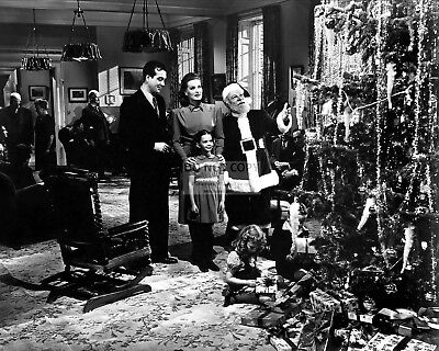 """Maureen O'hara Others In """"miracle On 34Th Street""""  8X10 Publicity Photo (Zy-086)"""