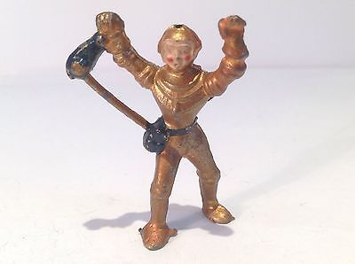 Spaceman standing Arms Up. (ref Or 961) Damaged