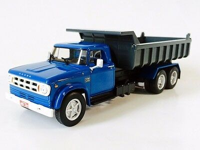 Truck Dodge D950 scale 1/43 - Amazing Cars From Brazil