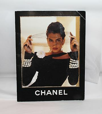 CHANEL Boutique Automne Hiver 1990/91 Karl Lagerfeld Vintage Lookbook Catalog